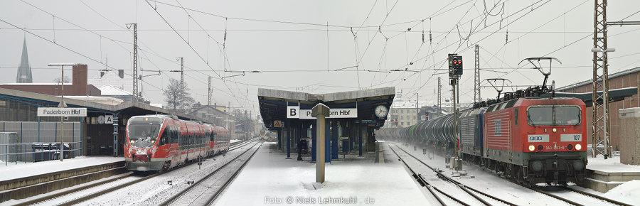 643 064 und 042 als RE1 nach Hamm in Paderborn. RBH 143 067 mit Kesselzug