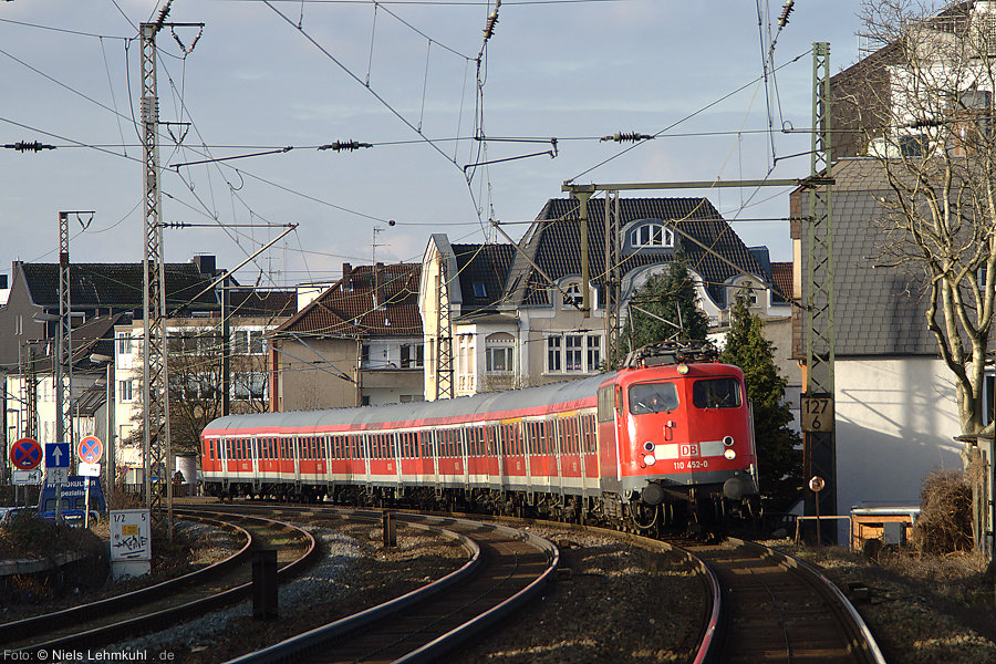 110 452 mit RE1 in Paderborn