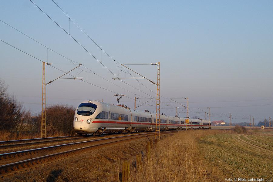 ICE 1745 bei Neuenbeken