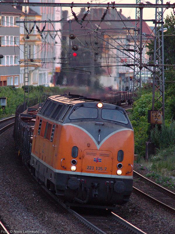 BEG 221 135 mit dem Kupferzug in Paderborn