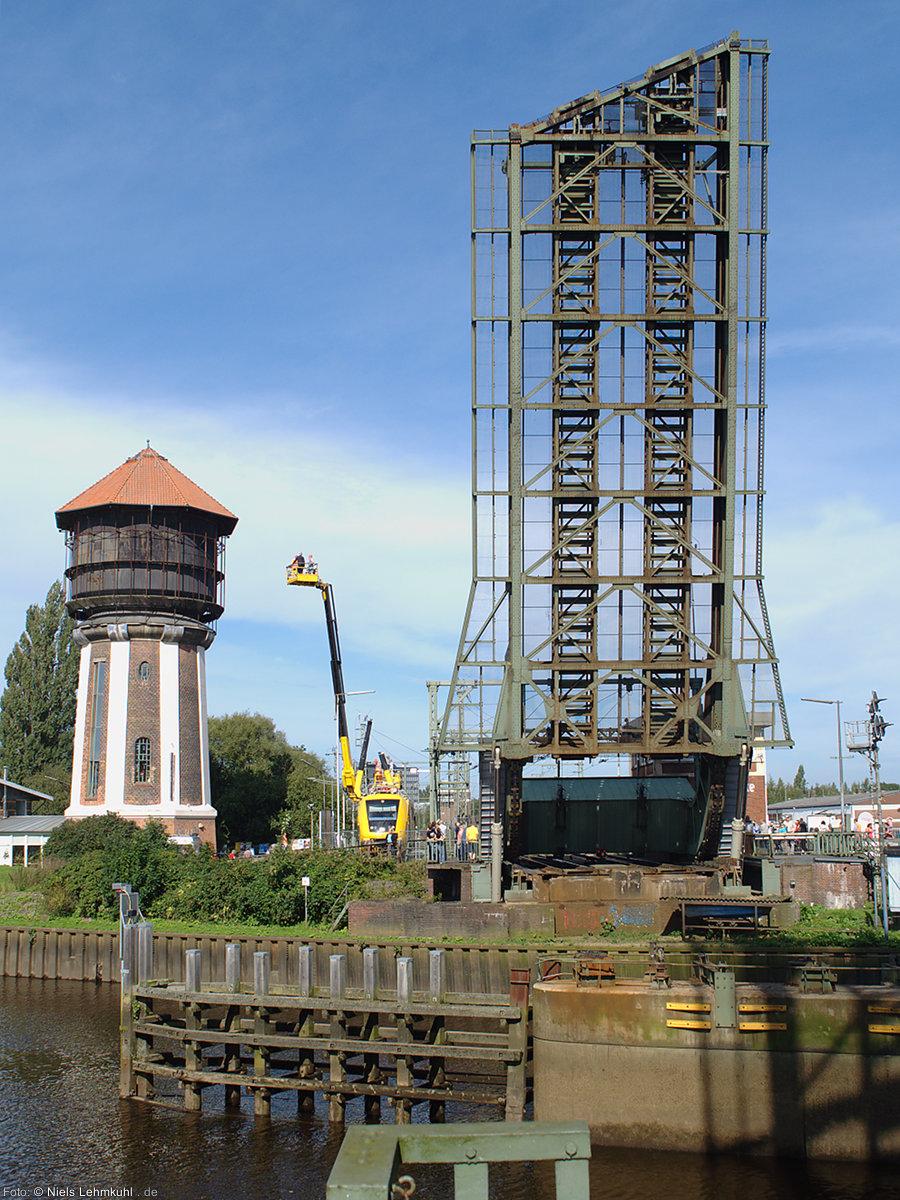 Zwischen 14 und 20 mal am Tag wird die Klappbrücke geöffnet um Schiffen die Durchfahrt zu ermöglichen.