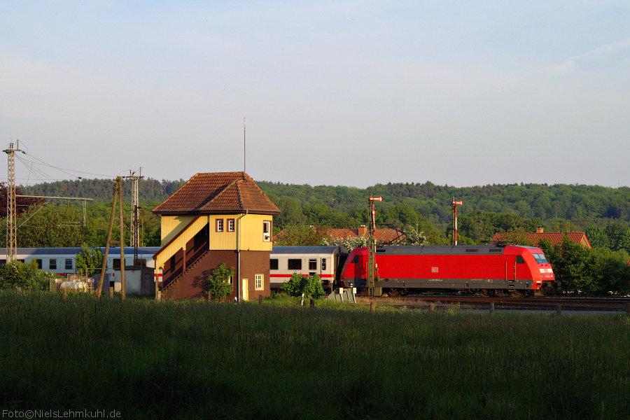 101 138 eilt mit IC 140 nach Schiphol (Airport) gen Bad Bentheim. (Velpe)