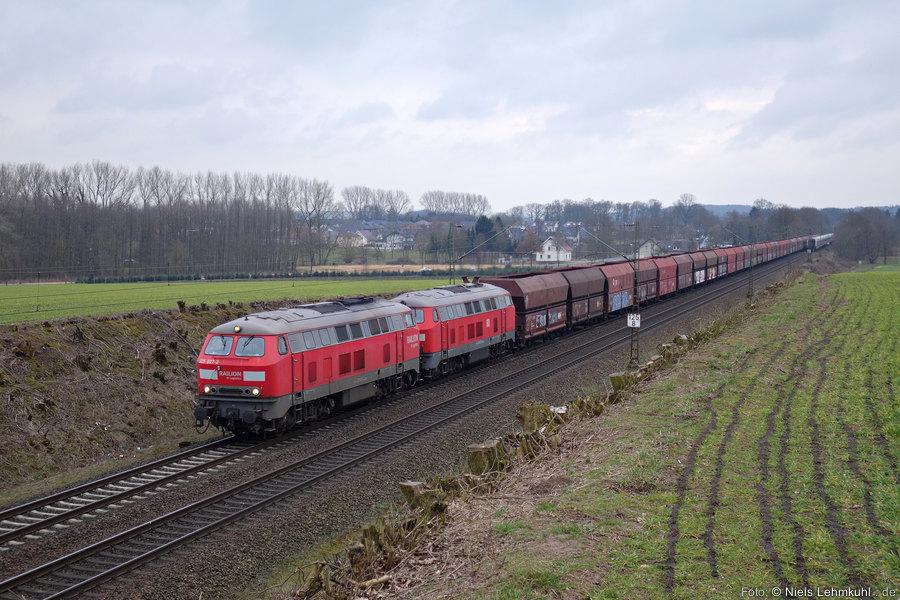 225 027 und 225 073 mit Leer-Kohlezug bei Belm (2015-03-15)