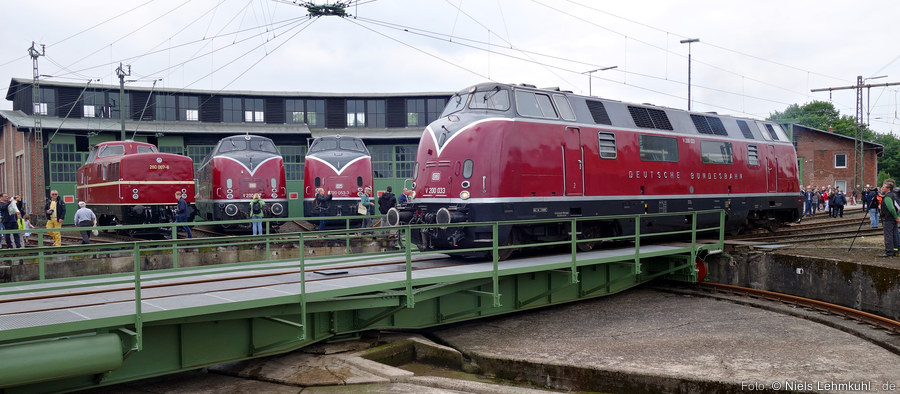 280 007, V200 007, 220 053 und V200 033 in Altenbeken