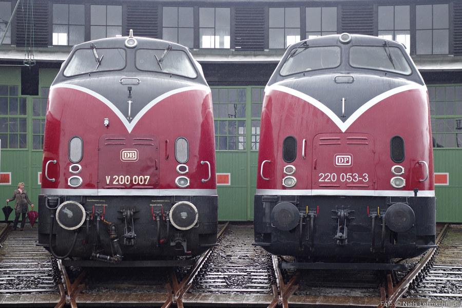 V200 007 und 220 053 in Altenbeken