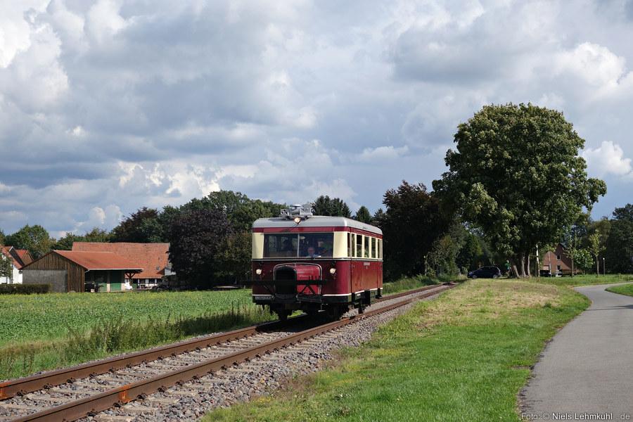 Wismarer Schienenbus am Haltepunkt Offelten