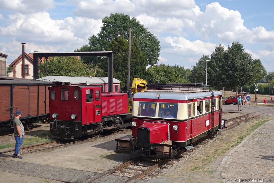 DEV T41 einfahrend in den Bahnhof Bruchhausen-Vilsen (2018-08-04)