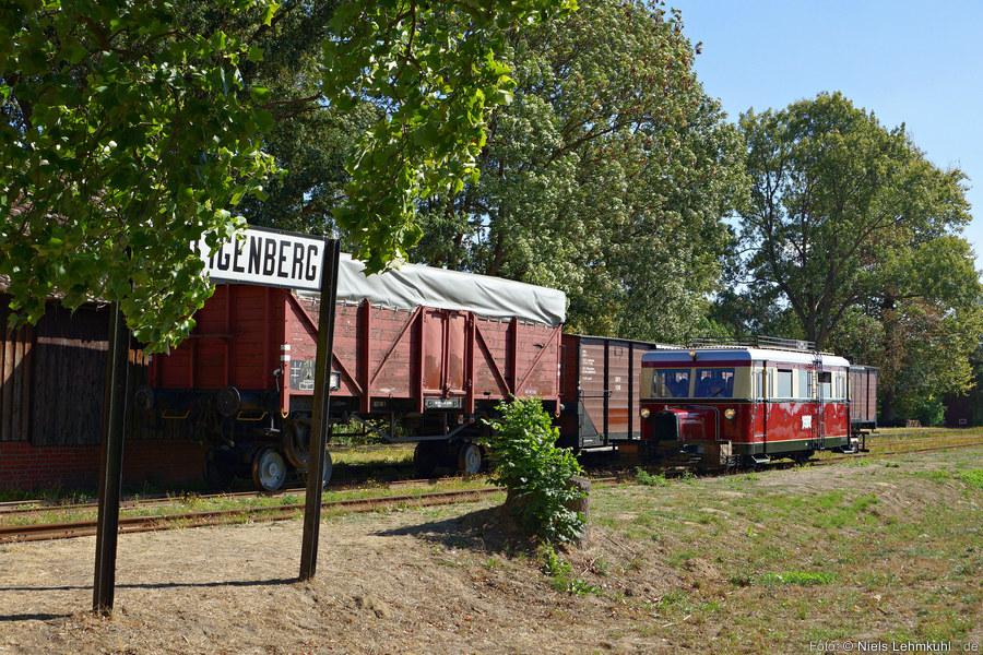 Der Triebwagen T41 einfahrend in Heiligenberg 2018-09-09